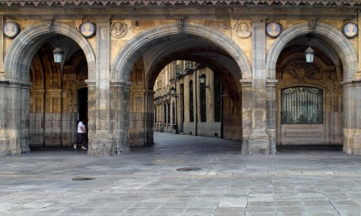Plaza Mayor. Soportal del Ayuntamiento. 2004