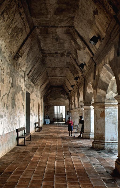 La Antigua. Guatemala. Claustro del convento de la Merced. 2004