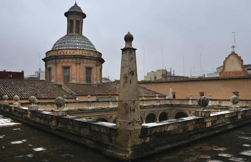 Colegio del Patriarca. Claustro y cúpula de la iglesia