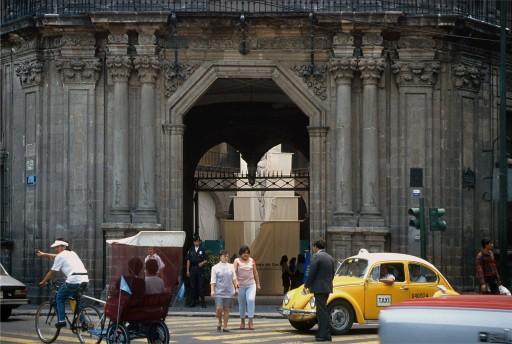 Portada principal del Palacio de la Inquisición (México D.F.) (1992)