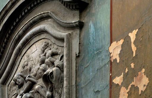 Portada del Colegio del Arte Mayor de la Seda. Valencia