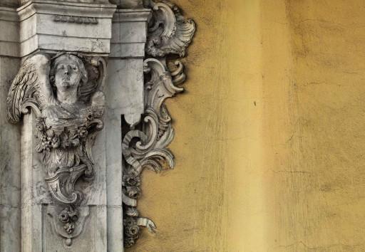 Portada del palacio de Huarte o de Peñalba. Valencia