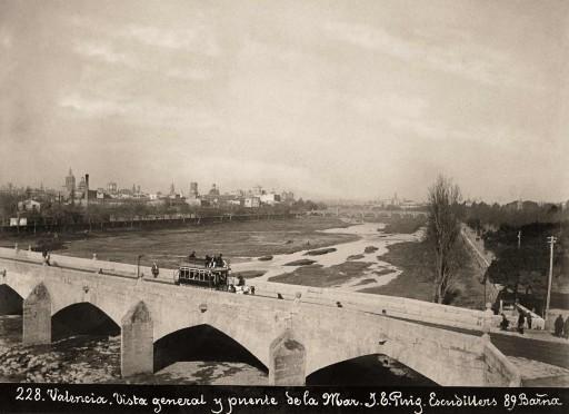 J. E. PUIG, 1885-1900. Vista General y puente de la Mar. Valencia.